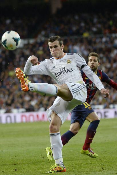 Bale (4): Excepto una jugada en la que asistió a Benzema en una ocasión...