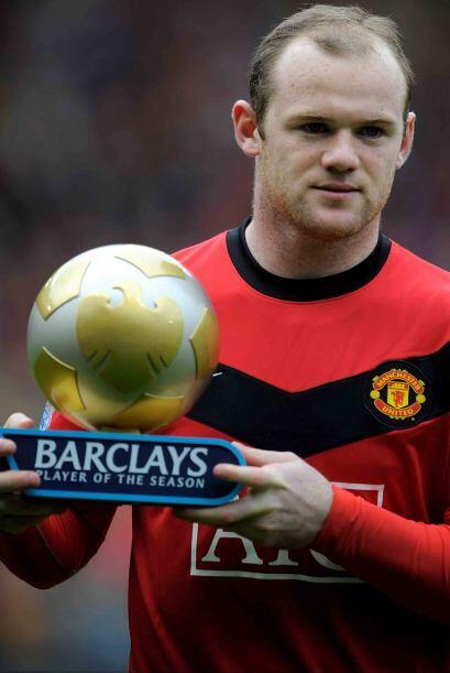 Manchester United enfrentó al Stoke con una pequeña esperanza y Rooney r...