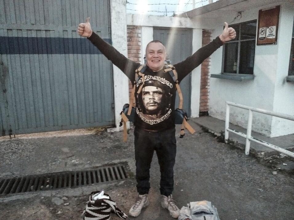 """""""Este calabozo me quitó todo. Todo lo que tengo son las FARC"""": el preso..."""