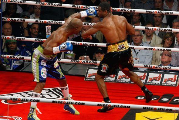 La pelea fue revancha del combate que disputaron el 18 de diciembre en Q...
