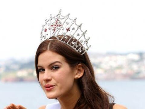 Esta belleza se coronó como Miss Inglaterra 2014. Tiene 24 a&ntil...