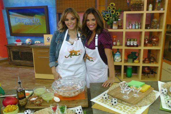 En la cocina, Rosie Rivera ayudó a Karla a preparar un delicioso...