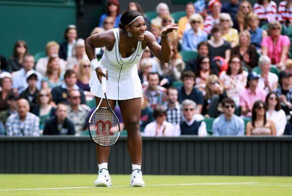 ¿Qué no ves que estoy de regreso? Parece decir Serena Williams en su pri...