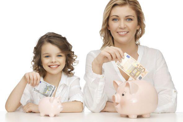 Algunos padres vacían sus cuentas de ahorro  y hacen sacrificios...