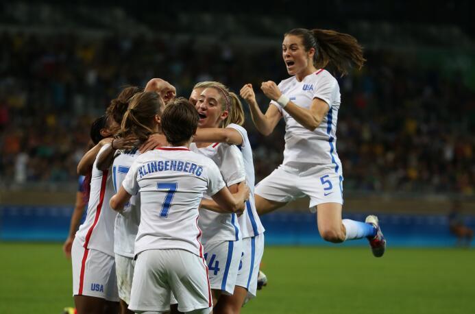 Estados Unidos ganó 1-0 a Francia en fútbol femenino, con gol de Carly L...