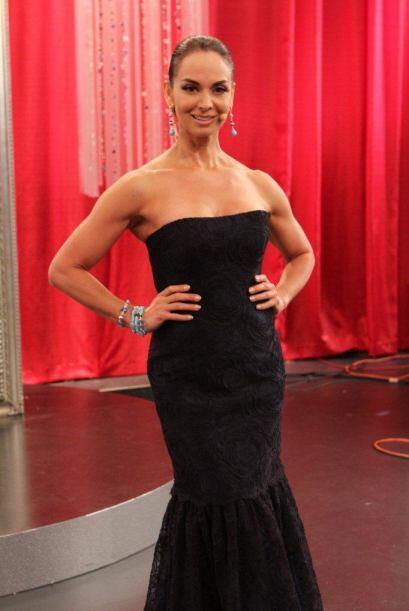 Lupita Jones siempre bella de pies a cabeza.