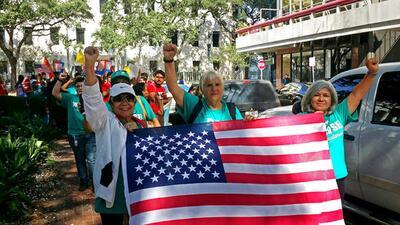 Activistas se congregaron en frente de la Corte de Apelaciones de Nueva...