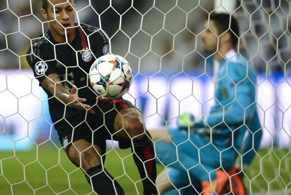 Thiago Alcántara descontó el marcador cuando perdían por dos a cero pero...