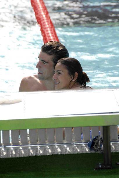 Dos campeones olímpicos. michael Phelps y la clavadista mexicana Paola E...