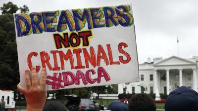 Si la corte de Texas falla a favor de los estados que demandaron DACA, el programa seguirá vigente (por ahora)
