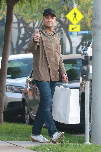 """Jaime se despidió del fotógrafo con un """"thumbs up""""."""