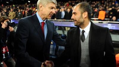 Asimismo, los entrenadores Arsene Wenger y Josep Guardiola se saludaron.
