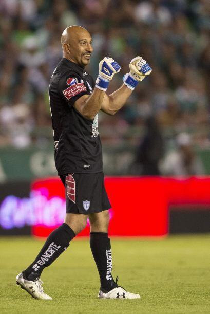 Oscar Pérez (9): A pesar de recibir dos goles, sería injusto otorgarle u...