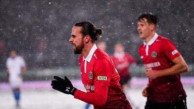 Hannover vence al Hoffeinhem en una batalla bajo la nieve
