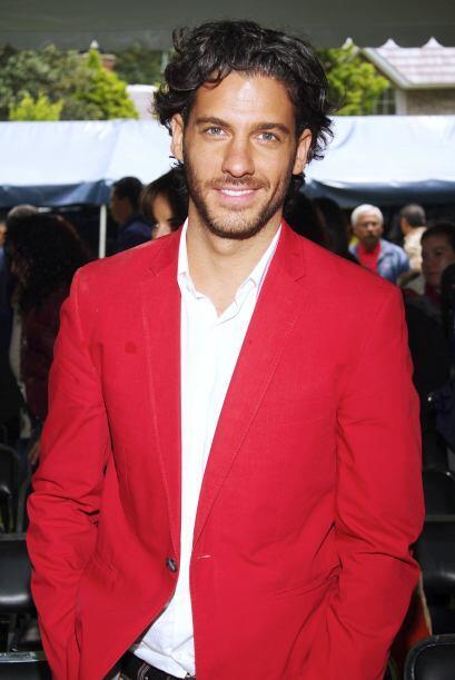 Y para terminar con nuestra lista tenemos al guapo Erick Elías.
