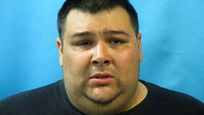 El padre, Anthony Sanders, fue acusado de asfixiar a su hijita porque &#...