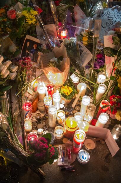 Rinden tributo a Bowie en su casa de Nueva York