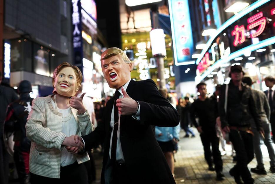 Las presidenciales también se toman Halloween Halloween8.jpg