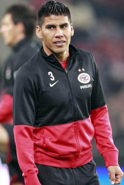 Carlos Salcido lleva más de 3 años en el PSV y parece que...