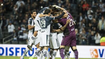 Monterrey se complicó, pero venció en penales a Leones Negros