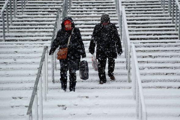 Inglaterra se quedó sin fútbol por la violenta tormenta de frío y nieve.