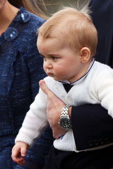"""Su tío, el príncipe Enrique lo describe como un bebé con """"rozagantes mej..."""