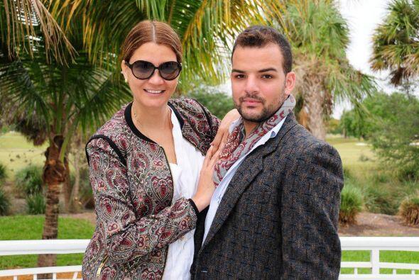 Claudia es una reconocida estilista que lleva año vistiendo a los famoso...