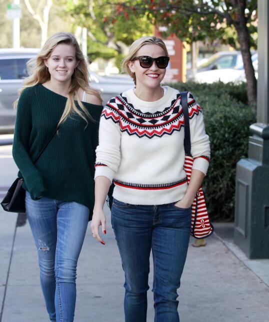 Reese y su hija, se ven freaky una junto a la otra PR_RWAHID151214_20.jpg