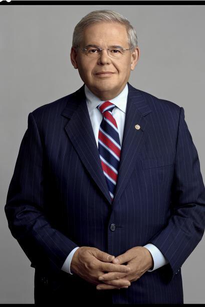 Robert Menéndez: Senador Demócrata de Nueva Jersey, Menéndez nació en la...