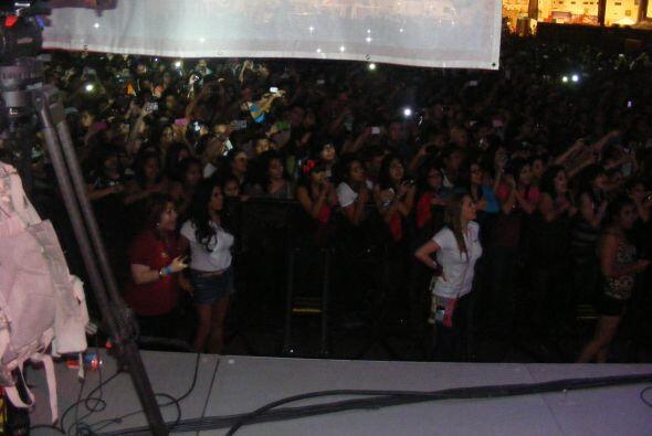 La chica Maravilla, Brenda Solis y Melanie disfrutando del concierto.