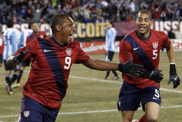Argentina ganaba 1-0 pero Juan Agudelo, delantero nacido en Colombia, co...