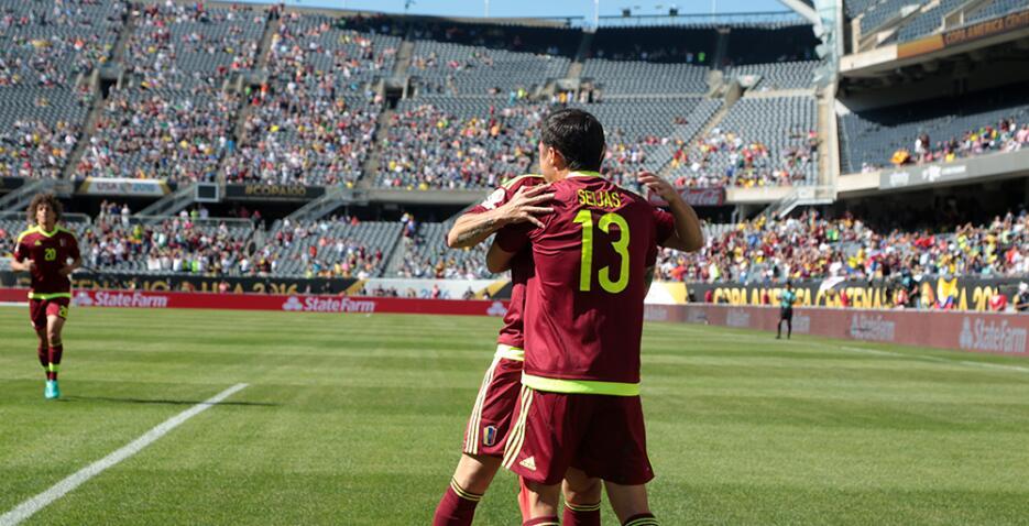 La euforia del gol inundó el estadio.
