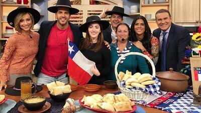 DAEnUnMinuto: despertamos celebrando la independencia de Chile, y Carlos muestra su mejor lado