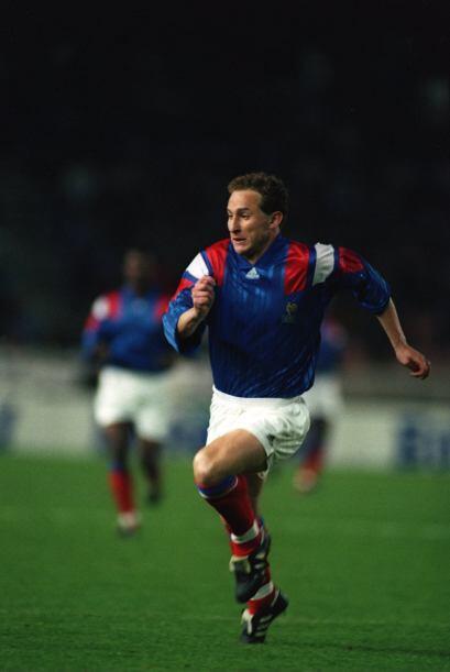 1990: Jean-Pierre Papin era figura con el Olympique de Marsella y fue ca...