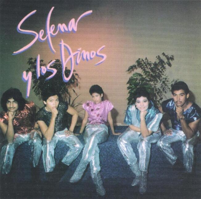 Selena Quintanilla y los dinos
