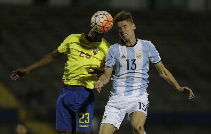 El juvenil argentino Juan Foyth, de Estudiantes de La Plata, suena para...