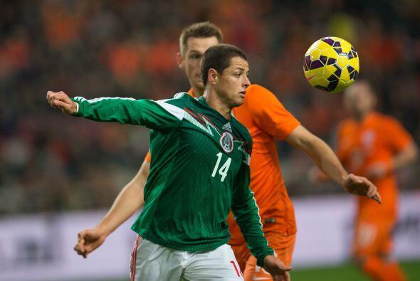 Javier Hernández, el 'Chicharito' no ha tenido su mejor temporada en el...