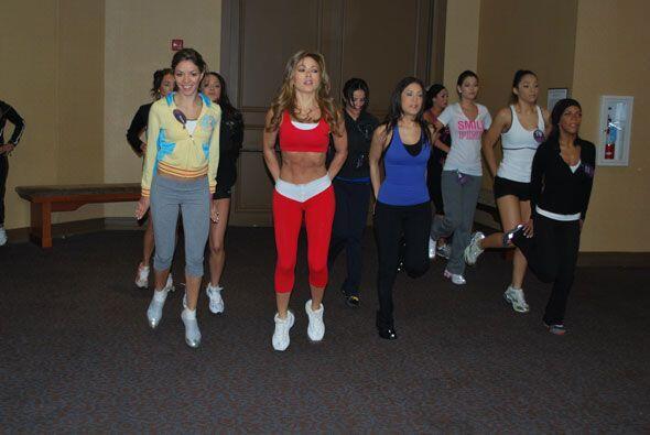 Pillamos Claudia Molina y a las chicas de NBL en una sesión de entrenami...