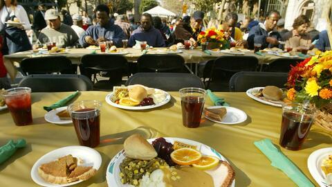"""Organizaciones sin fines de lucro llevan es espíritu de """"Thanksgiving"""" a..."""