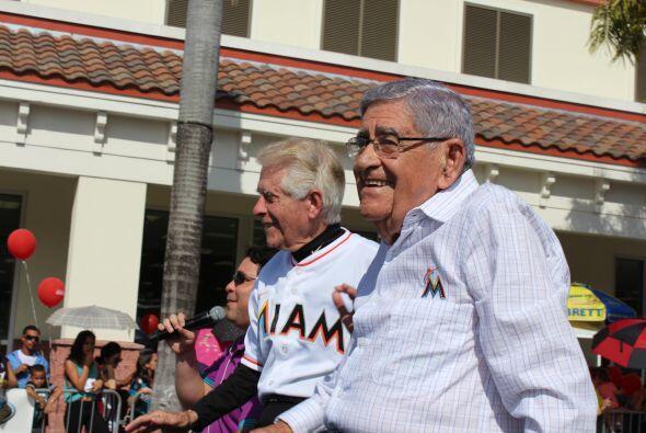 Melchor, Gaspar y Baltasar desfilaron por la reconocida Calle 8 de Miami...