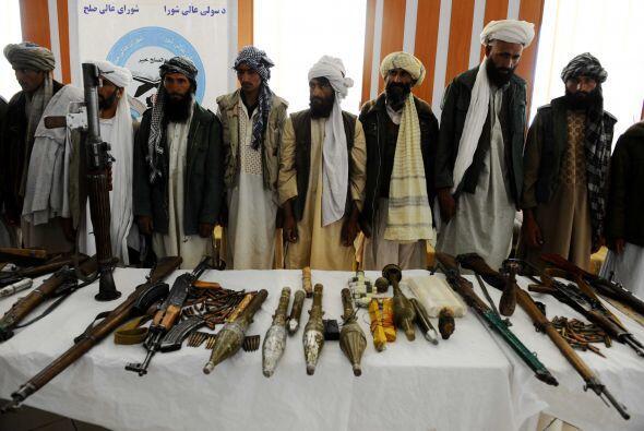 """Rashid, por su parte, le dijo que el talibán ataca escuelas """"por el mism..."""