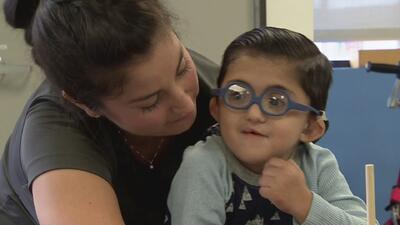 La historia de Hiram, un niño de Texas que durante sus pocos años de vida ha luchado por superar varios trastornos