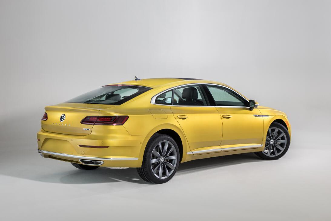 Este es el nuevo Volkswagen Arteon 2019 en imágenes 180204-vw-arteon-127...
