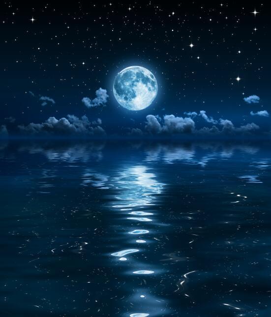 Agua y luna