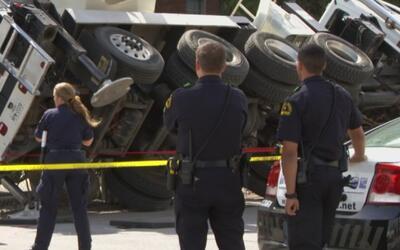 Trabajador muere aplastado por una grúa en el centro de Dallas