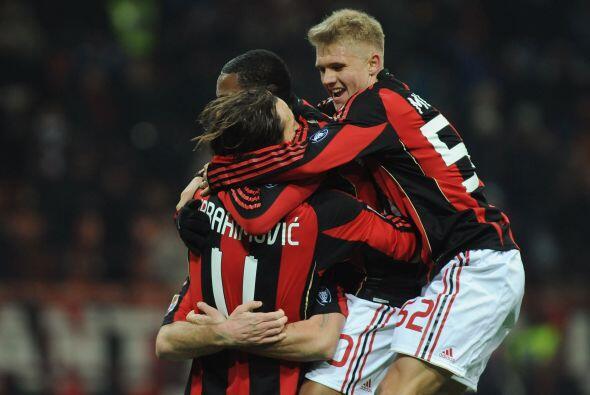 Consiguió otro gol en el último minuto y Milan ganó por 2-0 para mantene...