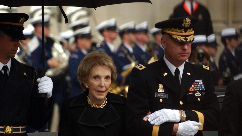 Nancy Reagan en funeral del Presidente, Ronald Reagan.