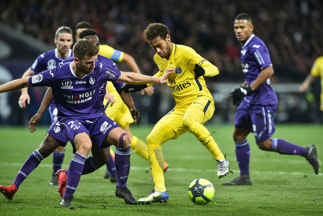 Ganó 1 a 0 gracias a un tanto de Neymar, este sábado en la 25ª jornada d...