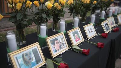 """""""Nos sentimos asombrados y confusos"""": rompen el silencio los padres del sospechoso del tiroteo en Texas"""