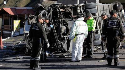 Cómo un trágico accidente de bus en Ecuador revela la estrategia de los nuevos narcos colombianos